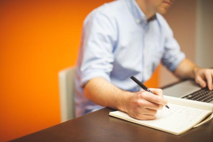 3 Aspectos importantes al redactar un CV para trabajar en Francia